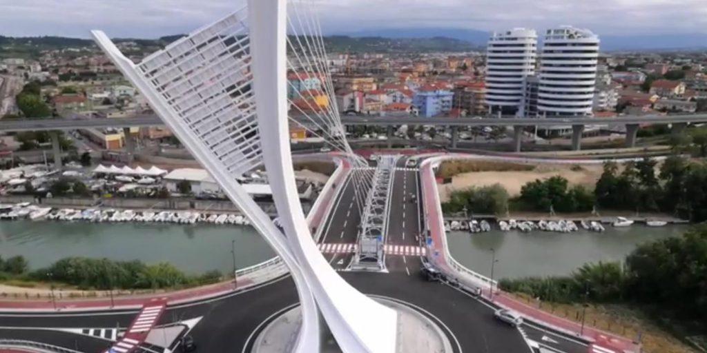 Una-veduta-di-Pescara-con-il-Ponte-Flaiano